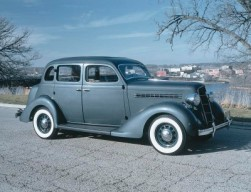 Plymouth - 1935